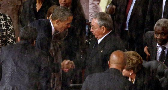 Raúl Castro e Obama na África do Sul.