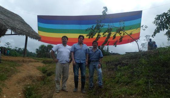 Figueroa, Villavicencio e Jiménez, na selva.