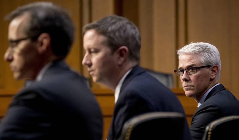 Representantes do Google, Twitter e Facebook depõem no Senado dos EUA.