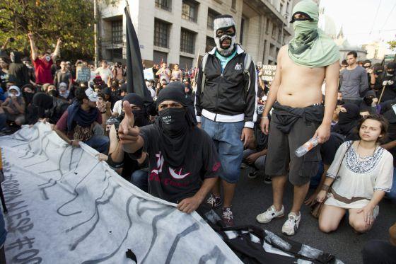 Um grupo de manifestantes em São Paulo.