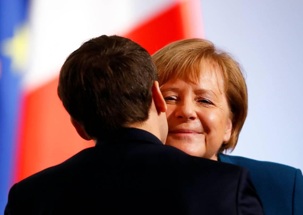A chanceler alemã, Angela Merkel, e o presidente francês, Emmanuel Macron, em abril de 2018, em Berlim.