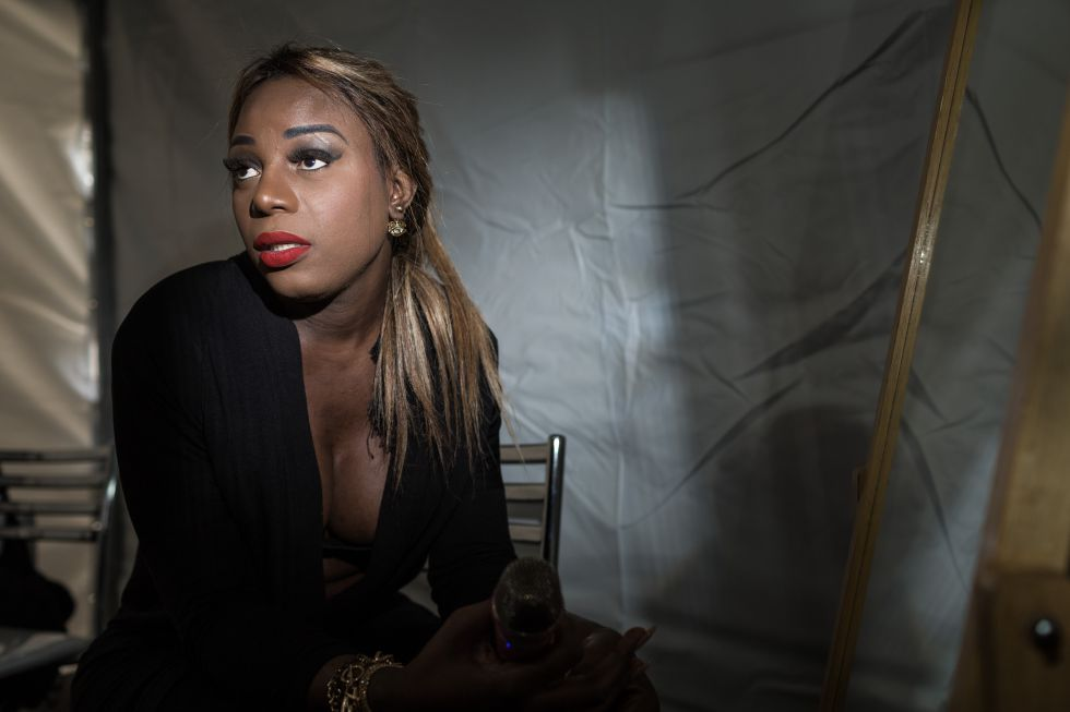 A cantora angolana, antes do show começar no último dia 13.