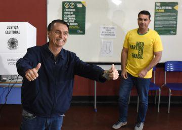 O Brasil está em perigo  pode eleger um presidente fascista, defensor da ditadura militar, misógino, sexista, racista e xenófobo