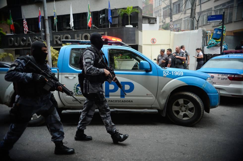 Operação policial após ataques às UPP nas comunidades do Cantagalo e Pavão-Pavãozinho, no Rio de Janeiro, em outubro de 2016.