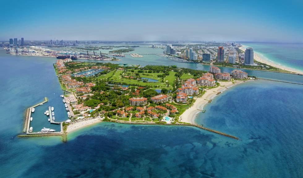 Fisher Island e Miami Beach (à direita).