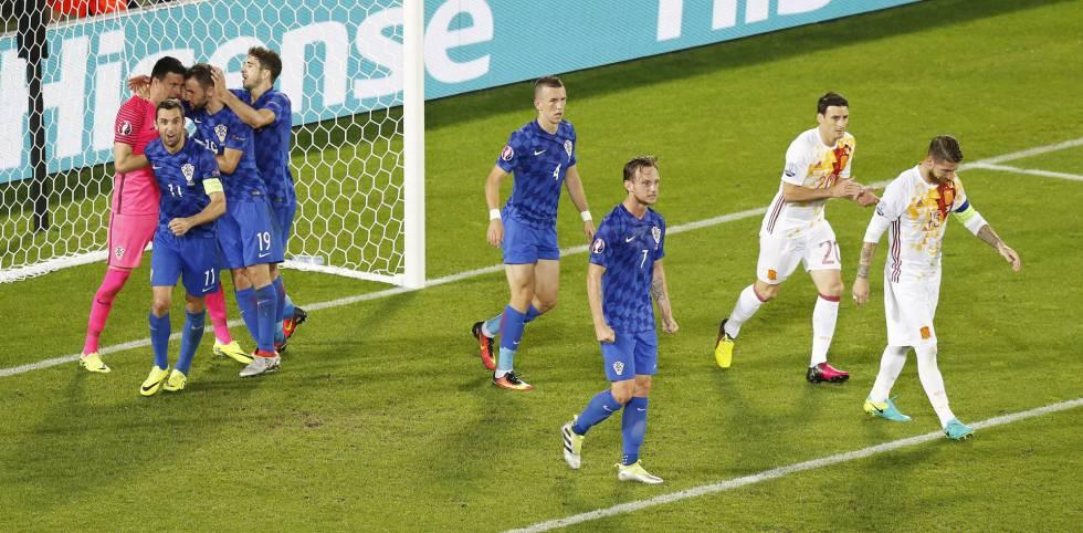 Croácia terminou em primeiro no grupo D.