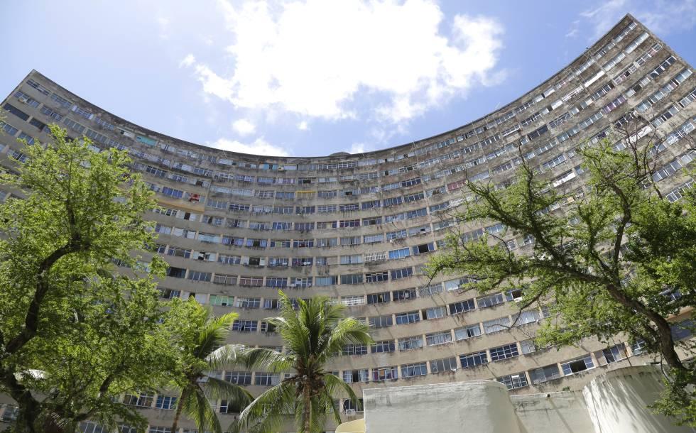 Fachada do edifício Holiday, no Recife.