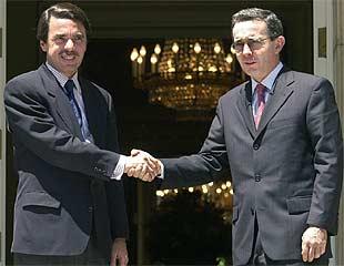 Álvaro Uribe pide a Aznar ayuda militar y financiera para combatir el terrorismo   Actualidad: Noticias de hoy   EL PAÍS