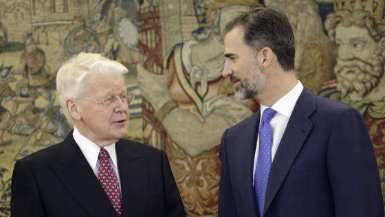 Rei Felipe VI recebe o presidente de Islândia, Ólafur Ragnar (à esq.).