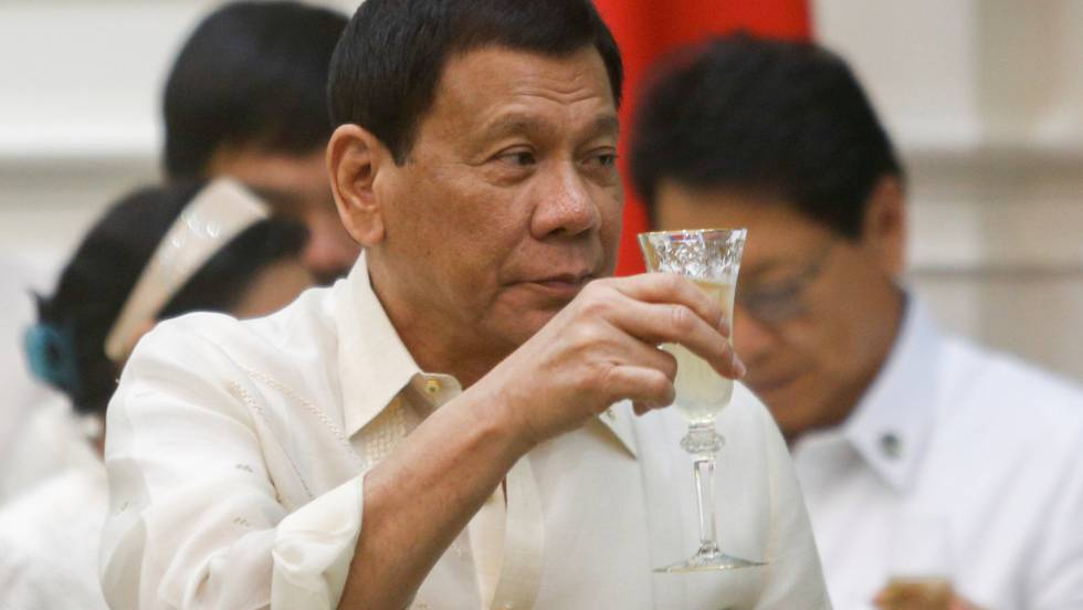 O presidente filipino Rodrigo Duterte, durante uma visita a Camboja.