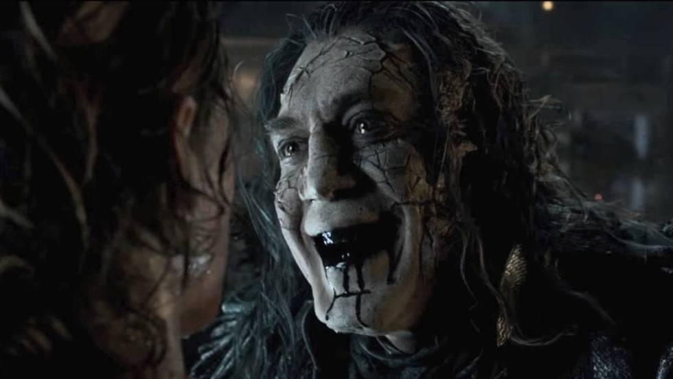 Cena do trailer de 'Piratas do Caribe: A Vingança de Salazar', com Johnny Depp e Javier Bardem.