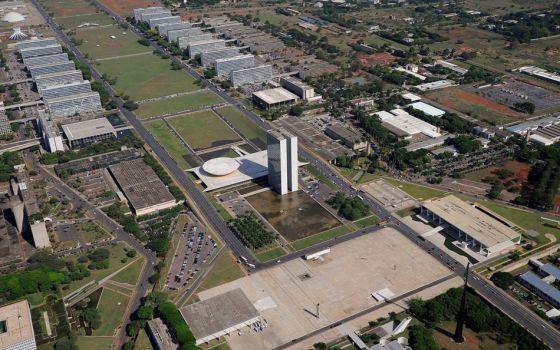 Esplanada dos Ministérios e Praça dos Três Poderes.