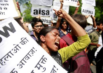 Pelo menos dez pessoas foram presas, entre elas quatro mulheres adultas, em razão da agressão contra garotas de castas baixas ocorridas no Estado de Bihar