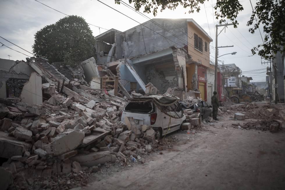 Edifícios destruídos no centro de Jojutla pelo terremoto