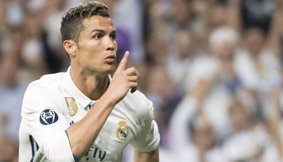 Cristiano manda que os torcedores se calem depois do gol de empate.