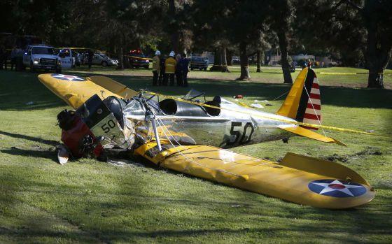 O avião que pilotava o ator, depois do acidente.