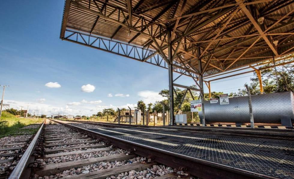 Um trecho da ferrovia Norte-Sul, operada pela VLI.