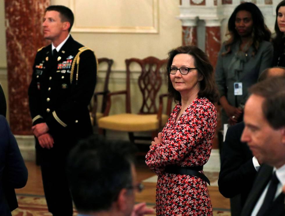 A candidata a dirigir a CIA, Gina Haspel, durante um ato no Departamento de Estado.