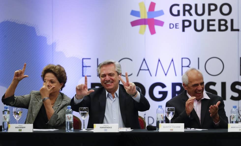 Dilma, Fernández e Samper saúdam Lula na abertua do Grupo de Puebla, em Buenos Aires.