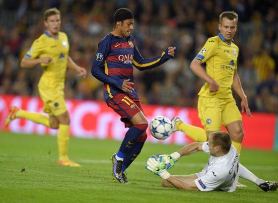 Neymar na partida do Barcelona contra BATE