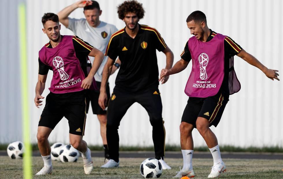 Os irmãos Hazard e no meio Fellaini, em um treinamento da Bélgica.