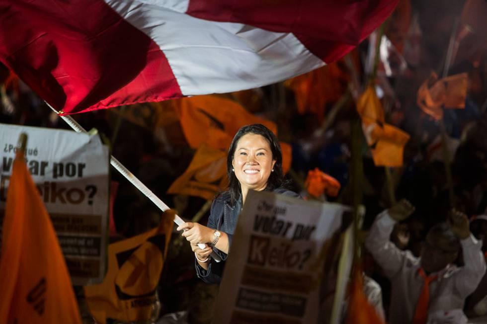 Keiko Fujimori encerra a campanha em Villa El Salvador, Lima.
