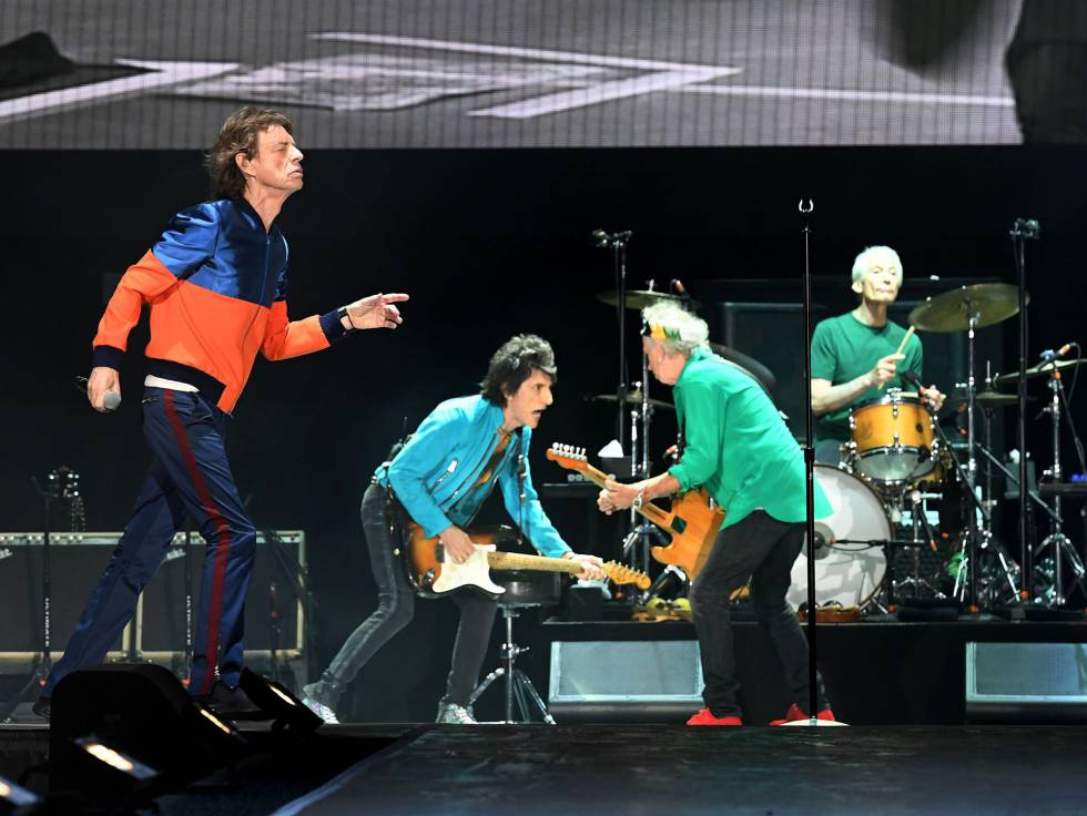 Mick Jagger (esquerda), Ron Wood, Keith Richards e Charlie Watts, The Rolling Stones, no festival Desert Trip, em Índio (Califórnia), nesta sexta-feira.