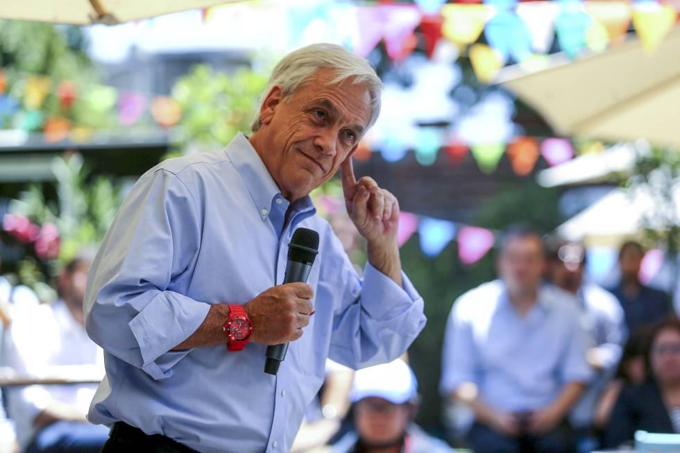 O candidato presidencial Sebastián Piñera em um comício em Santiago de Chile, na quarta-feira, dia 13.