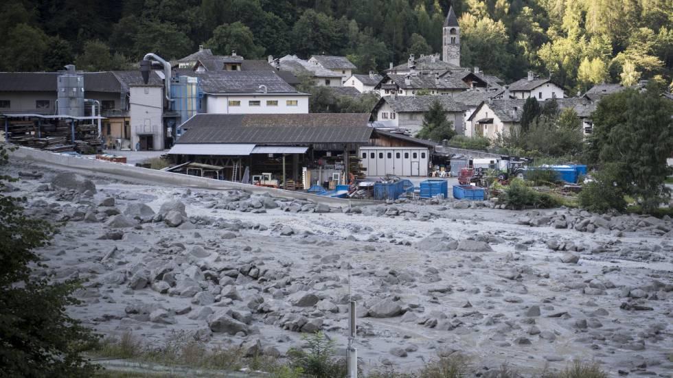 Imagem do deslizamento de terra e lama em Bondo.
