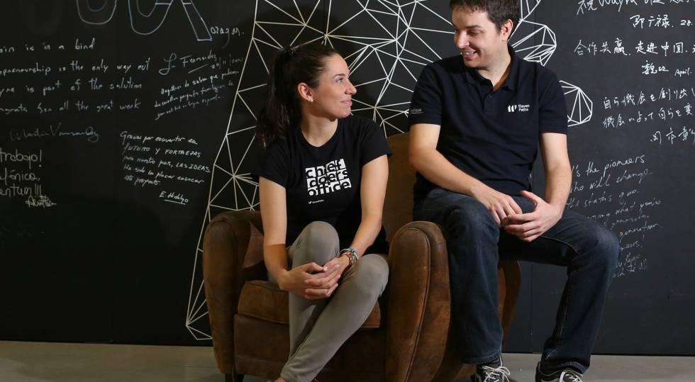 Yaiza Rubio e Félix Brezo, da unidade de segurança cibernética da Telefónica