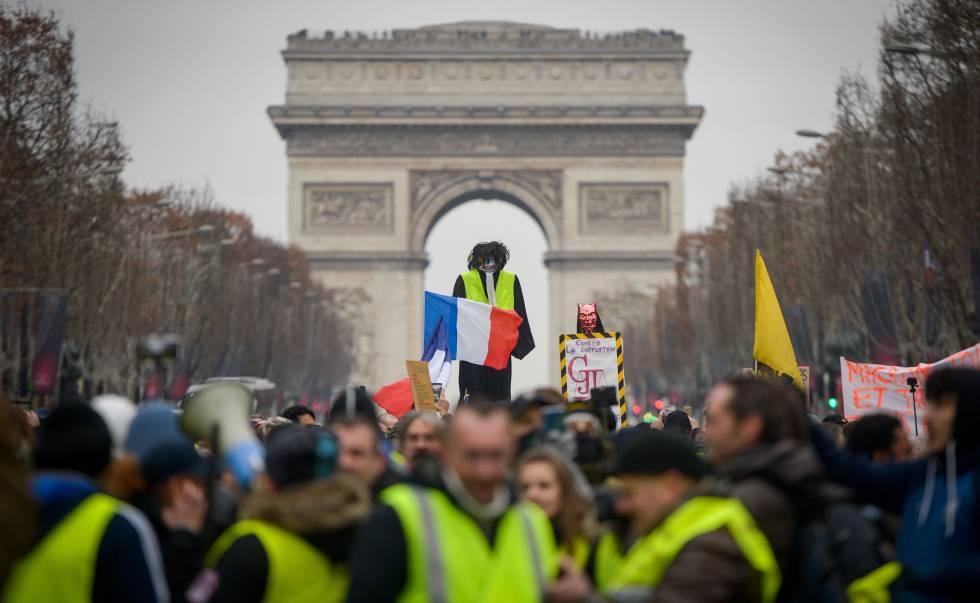 Protesto dos coletes amarelos no Arco do Triunfo, em Paris, no último dia 5.