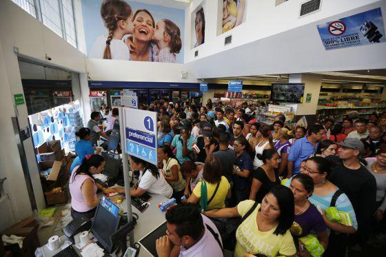 Venda de produtos farmacêuticos em Caracas, em fevereiro.