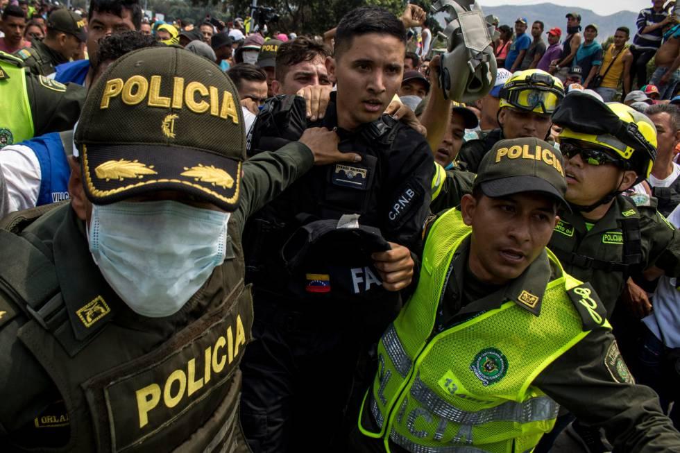 Policial venezuelano, depois de atravessar para a Colômbia em 23 de fevereiro passado.