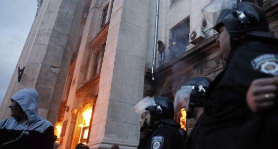 Um incêndio na sede sindical de Odessa deixou pelo menos 38 mortos.