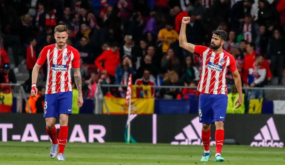 Diego Costa e Saúl comemoram o gol do Atlético.