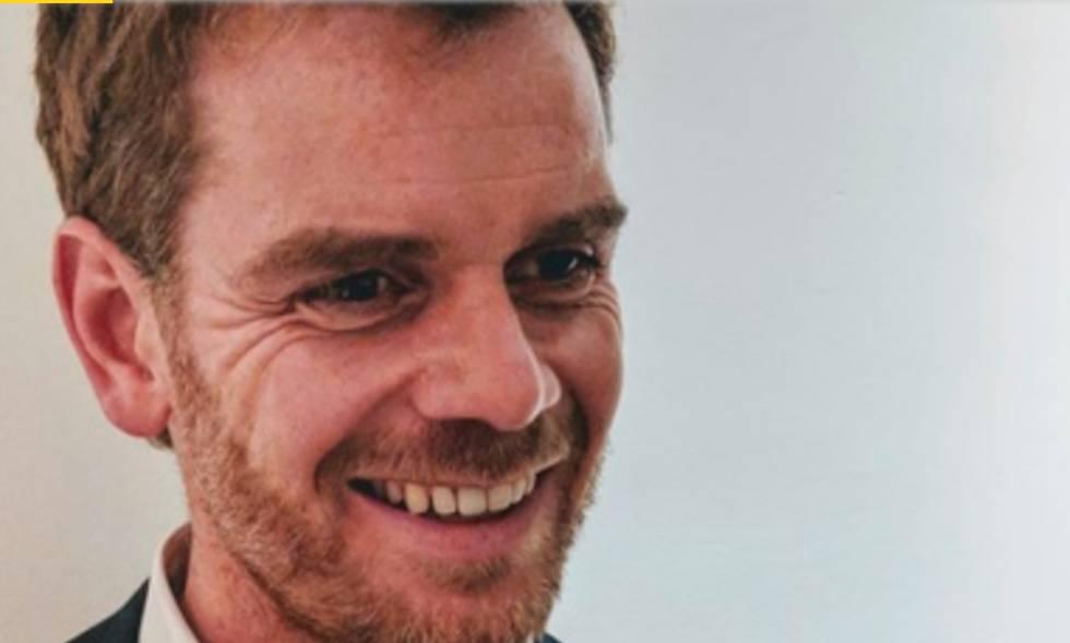 Martin Moore é jornalista e professor Diretor do Centro de Estudos de Mídia, Comunicação e Energia da King's College London