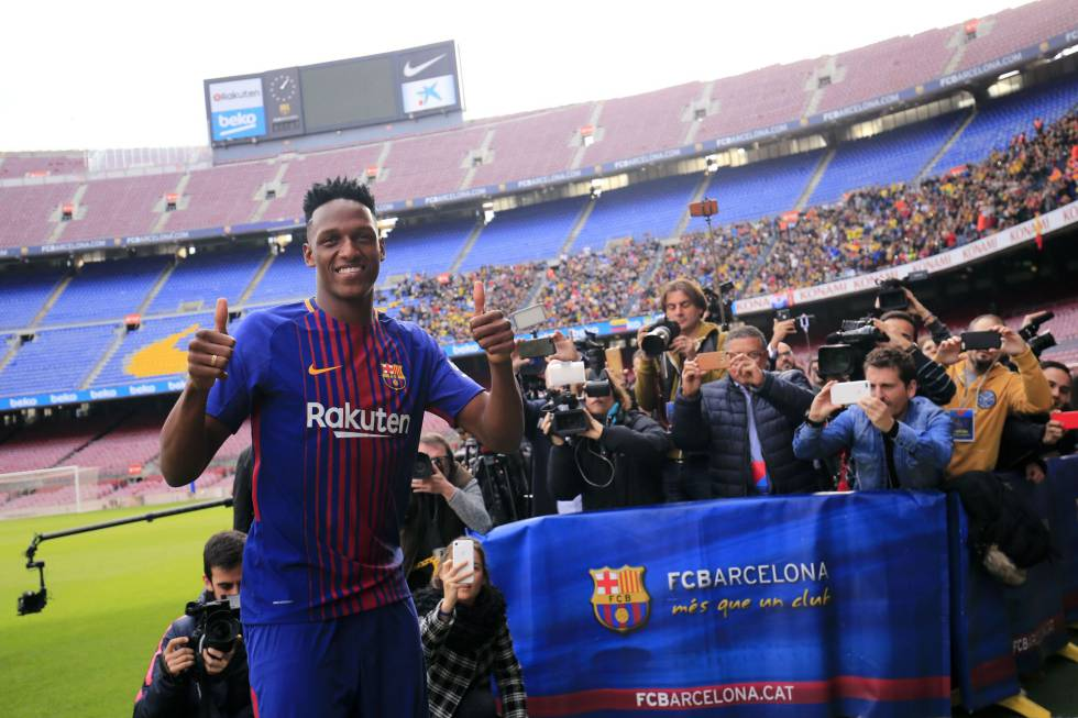 Yerry Mina, no Camp Nou.