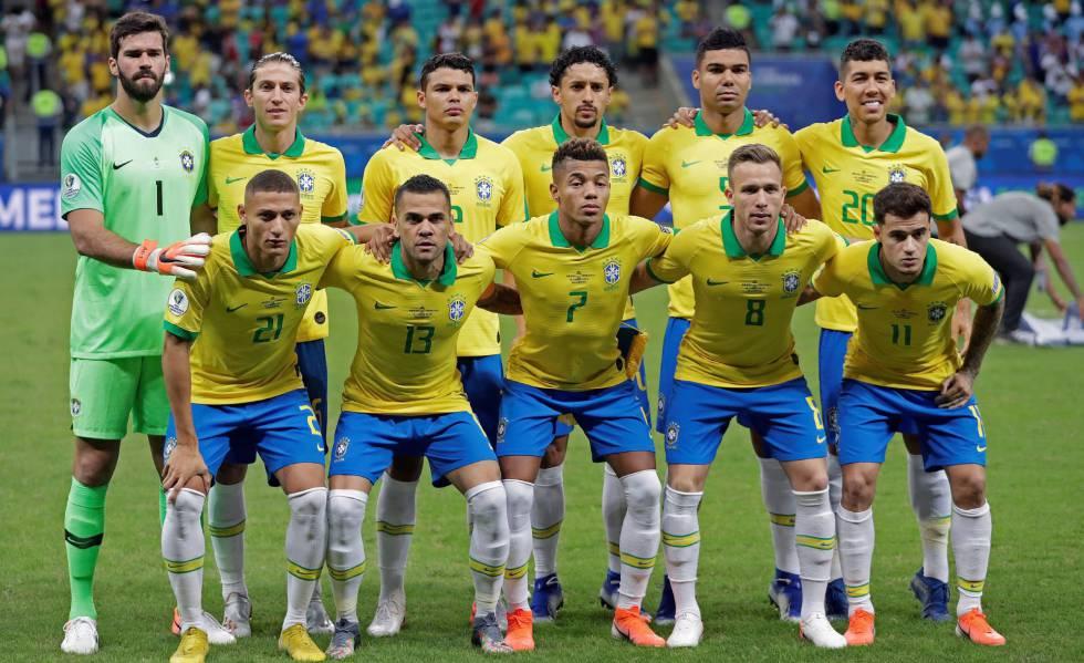 Brasil deve ter alterações no time titular para o jogo contra o Peru.
