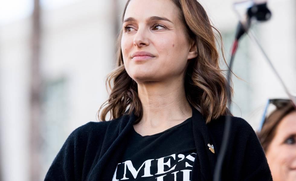 A atriz Natalie Portman participa da marcha das mulheres em Los Angeles.
