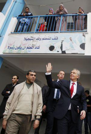 Blair em uma escola de Gaza, em fevereiro.