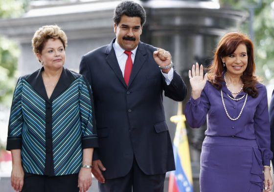 Rousseff, Maduro e Kirchner, nesta terça-feira em Caracas.