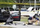 Identificados os dois homens, ambos norte-americanos. O Estado Islâmico reivindica o ataque a mostra de desenhos de Maomé
