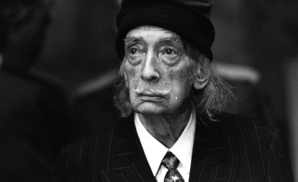 Salvador Dalí retratado por Antonio Espejo.