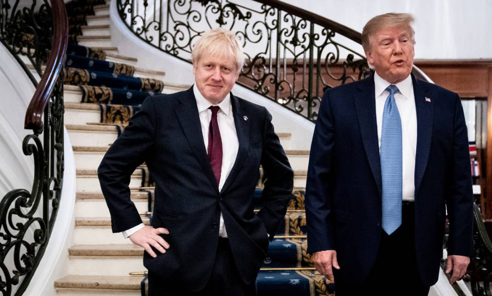 Johnson e Trump antes de seu encontro deste domingo em Biarritz.