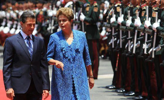 Peña Nieto com a presidenta brasileira na Cidade do México.
