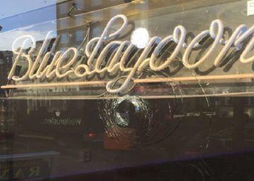 Polícia teme que os disparos contra os  coffee shops  da capital holandesa escondam ameaças dentro do setor para forçar fechamentos