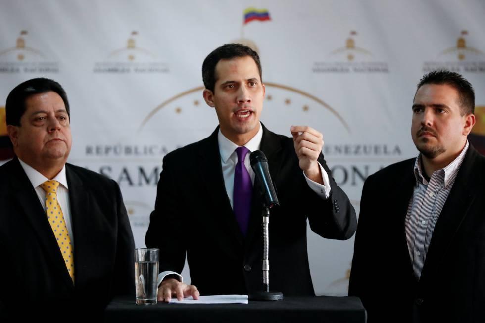 O presidente da Assembleia Nacional, Juan Guaidó, na entrevista coletiva de quinta-feira.