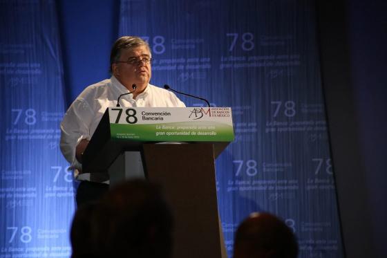 O presidente do Banco do México, Agustín Carstens.