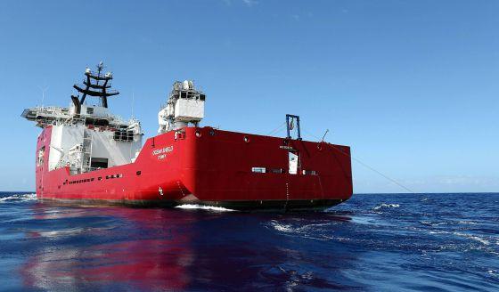 O barco 'Ocean Shield', que busca o sinal da caixa-preta do MH370.
