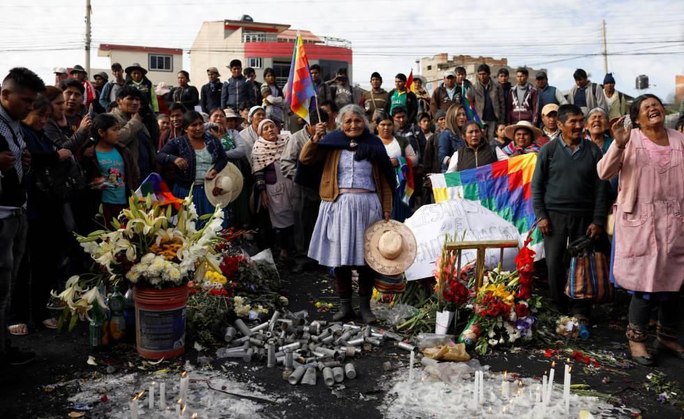 Apoiadores de Evo Morales fazem vigília por homem morto durante protestos em Sacaba